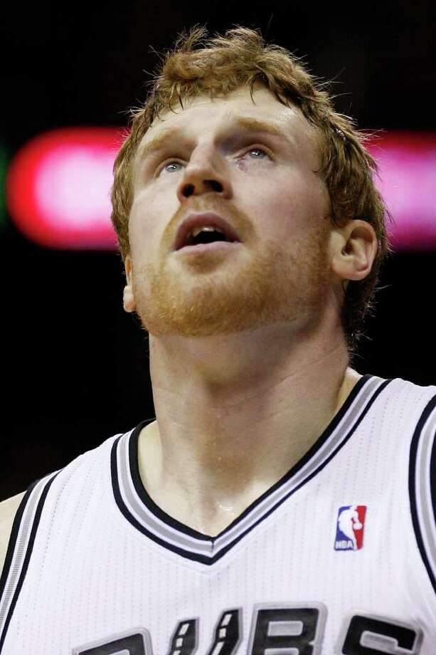 SPURS -- San Antonio Spurs Matt Bonner sports a shiner in the second half against the Sacramento Kings at the AT&T Center, Wednesday, April 6, 2011. The Spurs won124-92. JERRY LARA/glara@express-news.net Photo: JERRY LARA, San Antonio Express-News / SAN ANTONIO EXPRESS-NEWS (NFS)