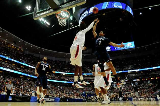 ANAHEIM, CA - MARCH 24:  Jeremy Lamb #3 of the Connecticut Huskies shoot over Brian Carlwell #5 of the San Diego State Aztecs during the west regional semifinal of the 2011 NCAA men's basketball tournament at the Honda Center on March 24, 2011 in Anaheim, California.  (Photo by Kevork Djansezian/Getty Images) Photo: Kevork Djansezian, ST / 2011 Getty Images