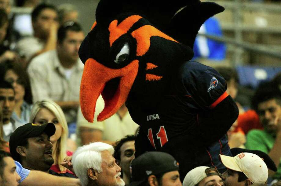 The UTSA Roadrunner mascot mixes with fans during the UTSA Football Fiesta Spring Game at the Alamodome on Saturday, April 9, 2011. The fledgling UTSA football program begins play this fall. BILLY CALZADA / gcalzada@express-news.net Photo: BILLY CALZADA, SAN ANTONIO EXPRESS-NEWS / gcalzada@express-news.net