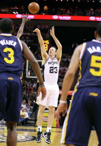 Spurs' Steve Novak shoots a three pointer against the Jazz during first half action Saturday April 9, 2011 at the AT&T Center.  (PHOTO BY EDWARD A. ORNELAS/eaornelas@express-news.net) / SAN ANTONIO EXPRESS-NEWS (NFS)