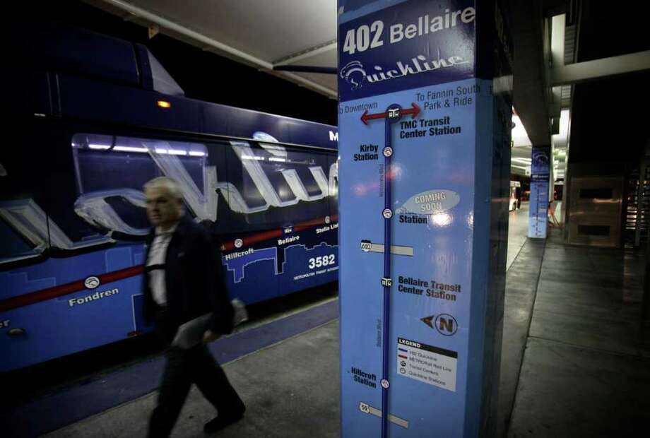 "metro adv - Houston Metro's Bus Rapid Transit line called ""Quickline"", runs 9 miles on Bellaire from the Texas Medical Center Transit Center to the Ranchester Station.  Friday, March 25, 2011. Photo Bob Owen/rowen@express-news.net Photo: BOB OWEN, Bob Owen/Express-News / SAN ANTONIO EXPRESS-NEWS"