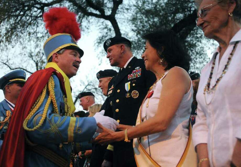 King Antonio LXXXIX Bill Mitchell greets people after his public investiture in Alamo Plaza on April 9, 2011.  BILLY CALZADA / gcalzada@express-news.net Photo: BILLY CALZADA, Billy Calzada/Express-News / gcalzada@express-news.net