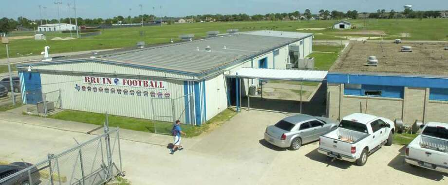 West Brook and Central High School are both getting renovated field houses through the district's 2007 voter-approved bond, but not everyone agrees on the plans. The field houses at West Brook, shown here, will be combined into one with additions.Dave Ryan/The Enterprise Photo: Dave Ryan / Beaumont
