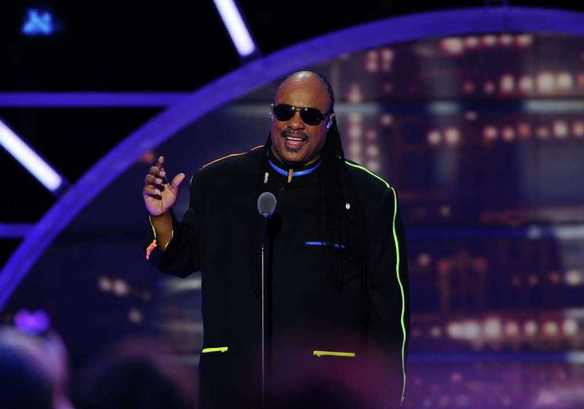 NEW YORK, NY - APRIL 10: Musician Stevie Wonder performs onstage at the 9th Annual TV Land Awards at the Javits Center on April 10, 2011 in New York City. (Photo by Larry Busacca/Getty Images) *** Local Caption *** Stevie Wonder