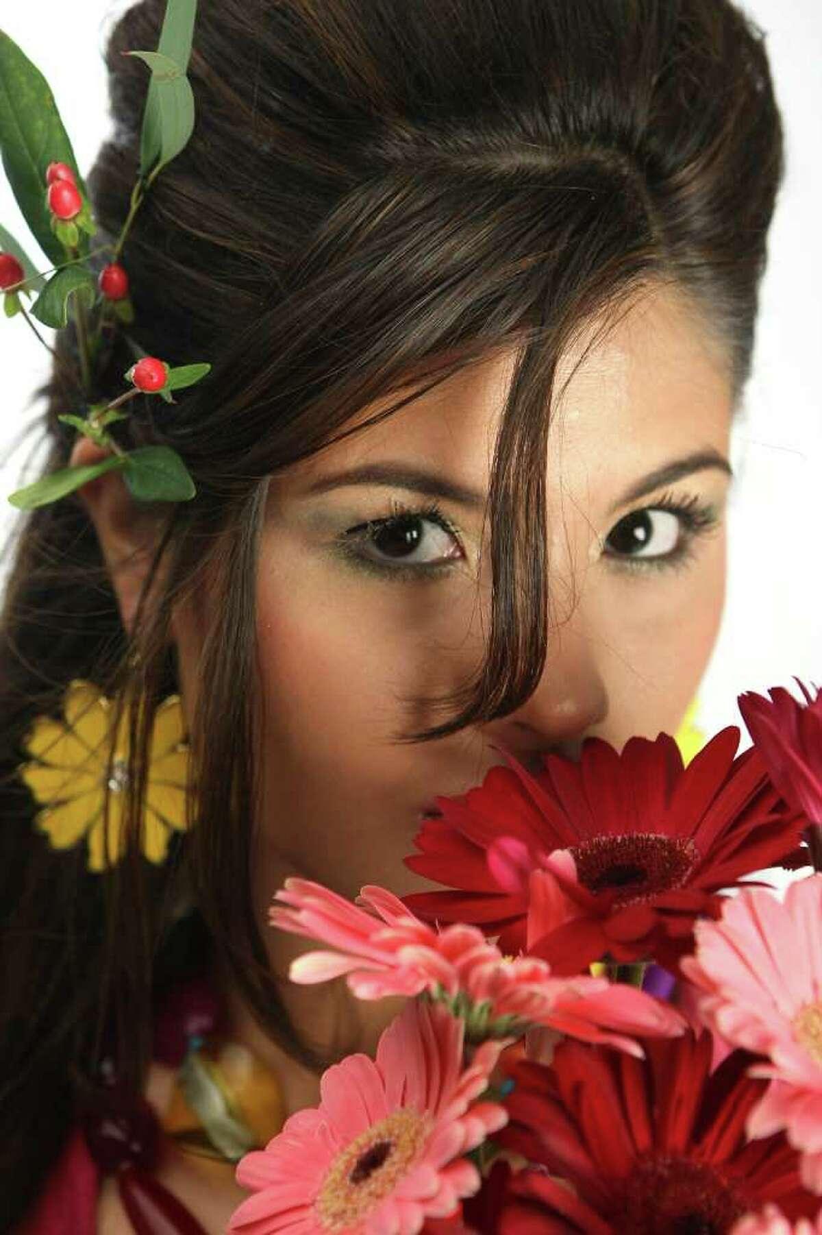 CONEXION: Karen Villarreal, 2009 Hottest Latina. HELEN L. MONTOYA/hmontoya@conexionsa.com
