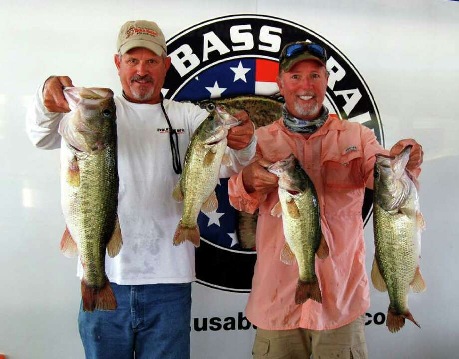 Tournament winners Brian Branum and Ken Smith had a great kicker in their bag weighing 7.61 lbs that anchord their 1st place finish with 20.98 lbs  Photo by Lakecaster Managing Editor Patty Lenderman