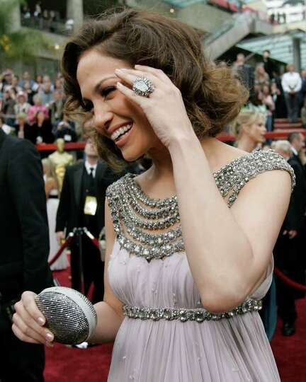 Jennifer Lopez arrives for the 79th Academy Awards Sunday, Feb. 25, 2007, in Los Angeles.