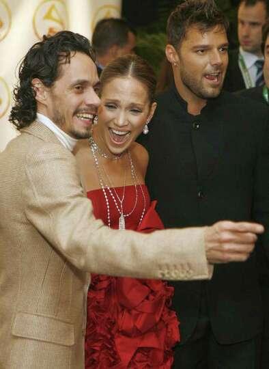 Marc Anthony (L), Jennifer Lopez
