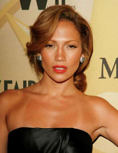 Crystal Awards Honoree, Jennifer Lopez arrives to the Women in Film 2006 Crystal + Lucy Awards held