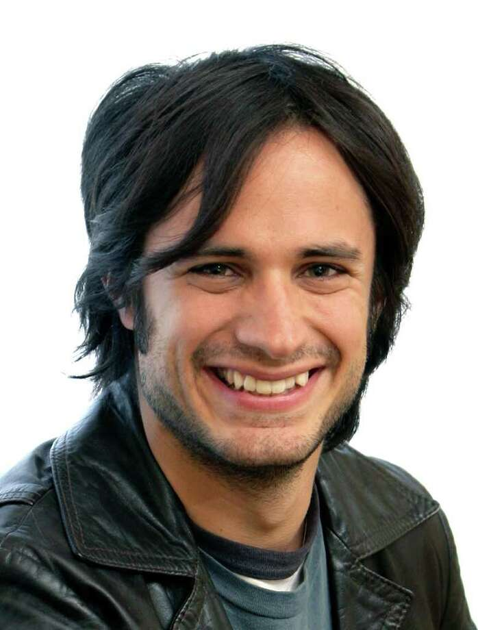 """Actor Gael Garcia Bernal poses  in New York, Thursday, Oct. 26, 2006. Garcia  Bernal acts in Alejandro Gonzalez Inarritu 'snew movie, """"Babel"""", which will have a limited  release Oct 27, 2006. Photo: SETH WENIG, AP / AP"""