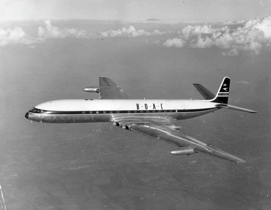 By the time de Havilland re-engineered the Comet, in 1958, it had fallen behind other rivals — particularly the Boeing 707 and Douglas DC-8. Photo: Keystone, Getty Images / Hulton Archive