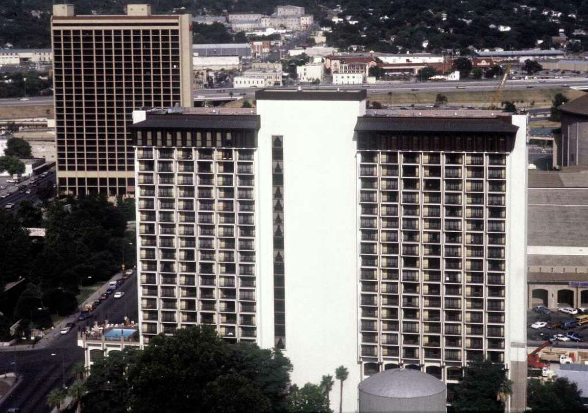 This is a 1988 file photo of the Hilton Palacio Del Rio (foreground, center) with the Mariott Hotel in the backgournd. FILE / SLIDE (1988)