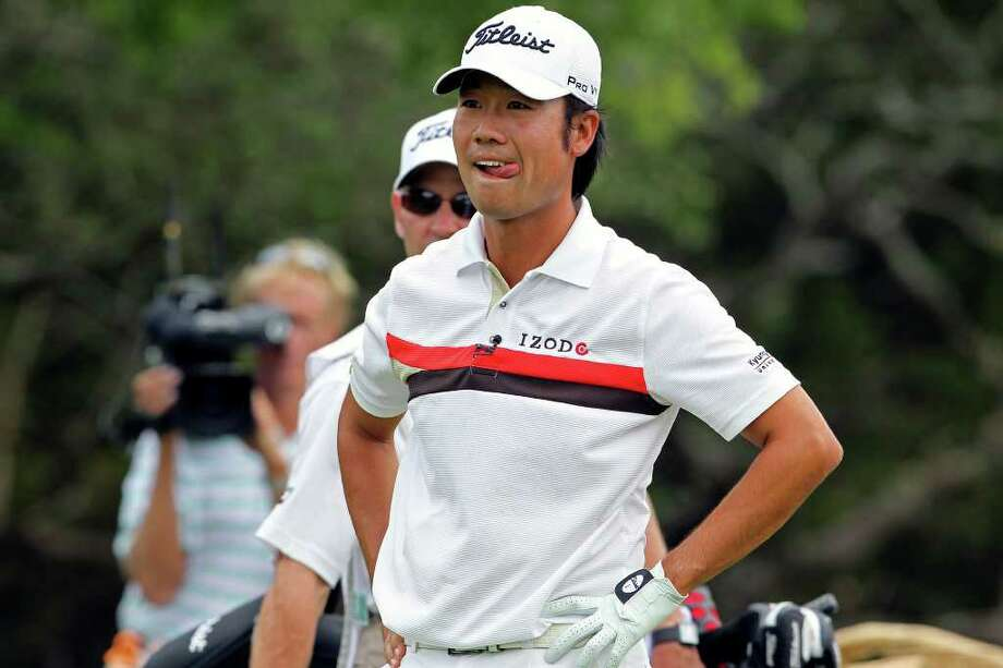 Kevin Na reacts to another wayward tee shot off nine during round 1 of the Valero Texas Open on Thursday, April 14, 2011. Photo: TOM REEL, Tom Reel/Express-News / © 2011 San Antonio Express-News