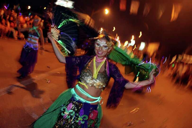FOR METRO - Bedouin Dancers member Lina Mata performs with the group during the Fiesta Flambeau Para
