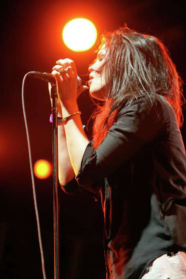 Alison Mosshart of The Kills performs during Day 2 of the Coachella Valley Music & Arts Festival 2011 held at the Empire Polo Club in Indio, Calif., on Saturday, April 16, 2011.  (Photo by Karl Walter/Getty Images) *** Local Caption *** Alison Mosshart Photo: Karl Walter, Getty Images / 2011 Getty Images