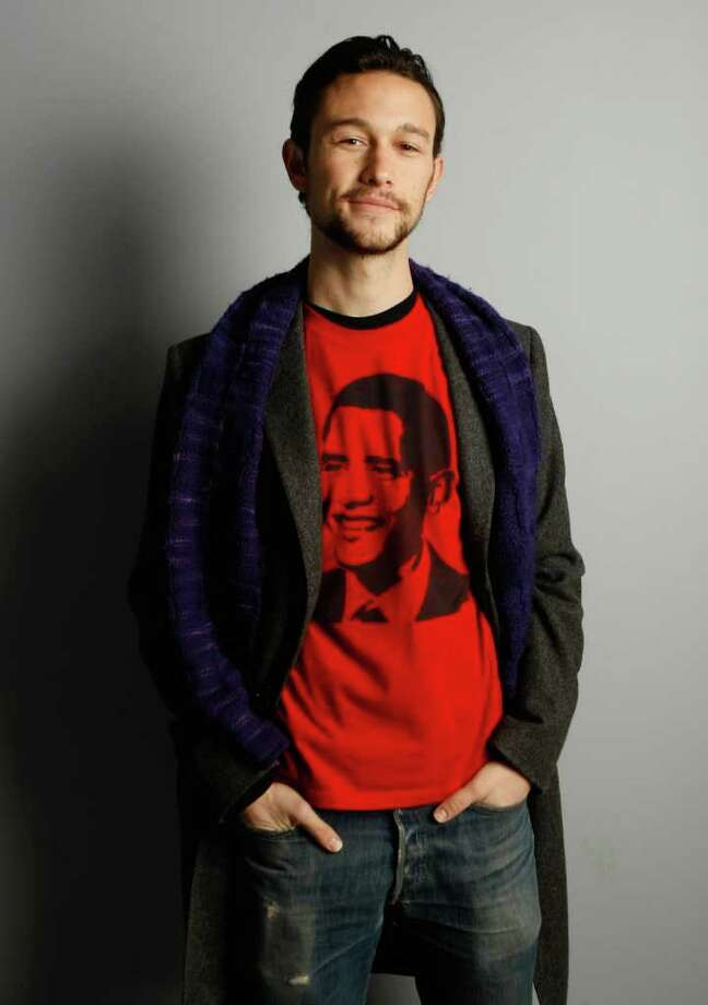 """In this photo taken on Jan. 18, 2009, actor Joseph Gordon-Levitt of """"500 Days of Summer"""" poses for a portrait at the Gibson Guitar Lounge during the Sundance Film Festival in Park City, Utah. After traveling to Japan for a dream-reading assignment in """"Inception,"""" Gordon-Levitt has taken on another sci-fi picture that brings him to Asia, the China-set action-thriller """"Looper."""" Promoting """"Looper"""" in Shanghai on Sunday, April 17, 2011, he said, """"I feel now, doing 'Looper,' is the result of what happened with 'Inception.'"""" (AP Photo/Mark Mainz) Photo: Mark Mainz"""