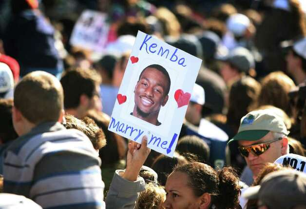 A marraige proposal for UConn star player Kemba Walker during the UConn men's basketball NCAA Championship rally in Hartford on Sunday, April 17, 2011. Photo: Brian A. Pounds / Connecticut Post