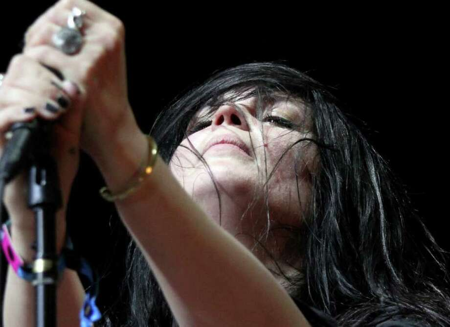 Alison Mosshart of The Kills during her performance at Coachella Valley Music and Arts Festival, Saturday, April 16 2011, in Indio, Calif. Photo: AP