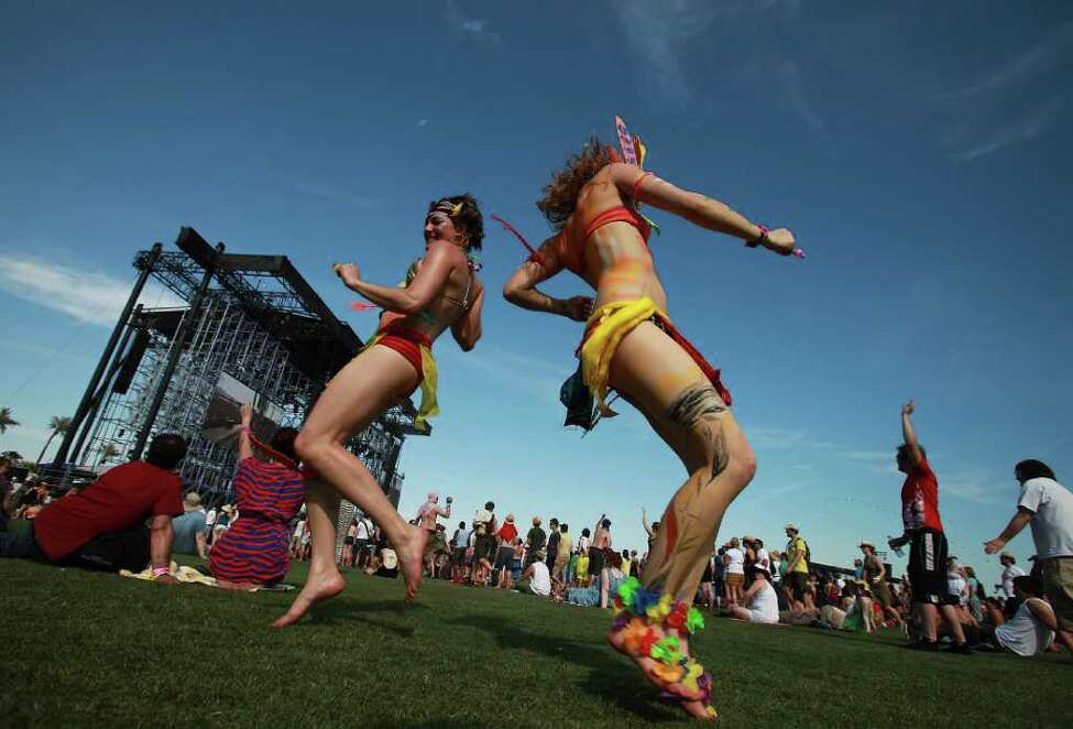 Dancers during performance by Erykah Badu at Coachella Valley Music and Arts Festival, Saturday, April 16 2011, in Indio, Calif.