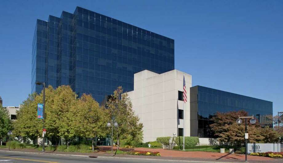 Reckson Associates has hired the Stamford office of Colliers International to find tenants for 1010 Washington Boulevard in Stamford. The available space includes the top two floors, totaling 40,546 square feet, including naming rights. Photo: Contributed Photo / Greenwich Time Contributed