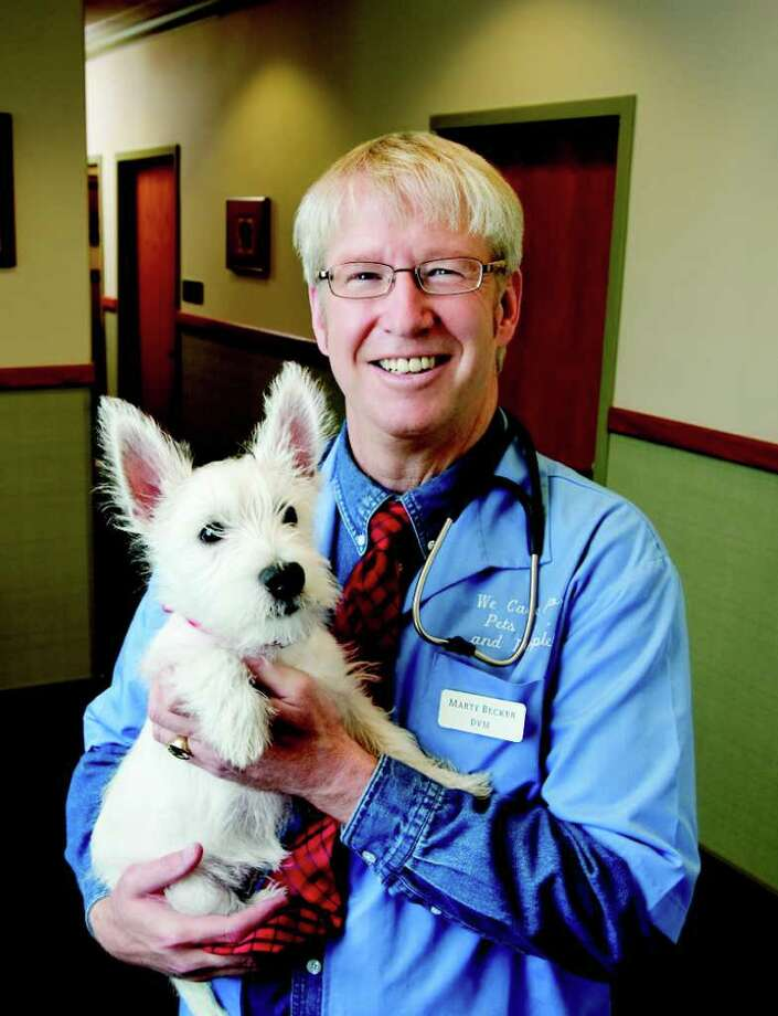 Dr. Marty Becker, TV veterinarian. / DirectToArchive