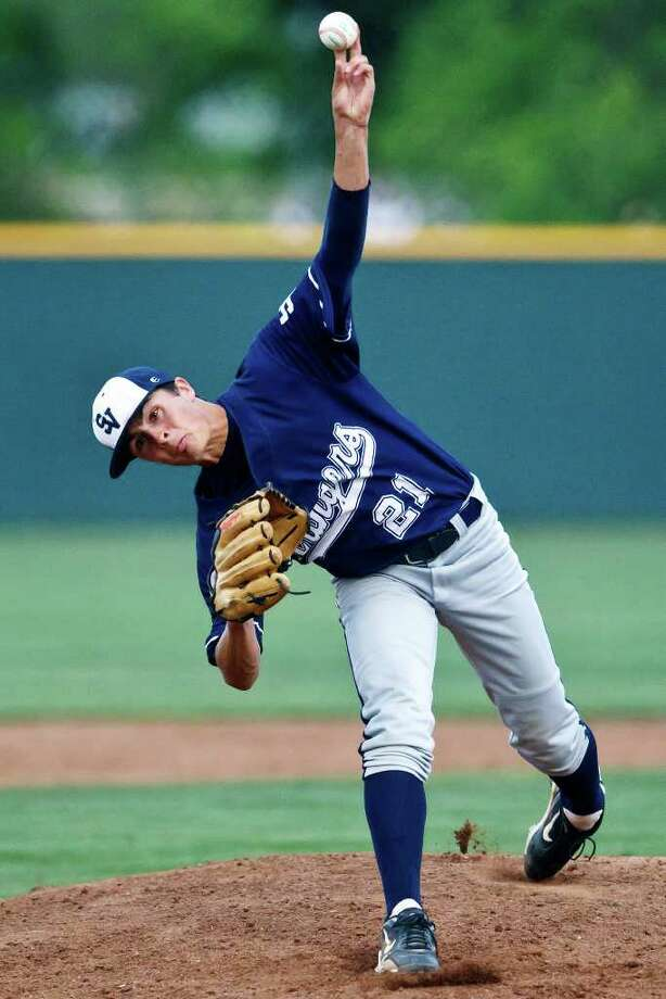 Smithson Valley's Matt Hilston delivers a pitch to the plate during the first inning of the Rangers 6-4 come-from-behind victory over Alamo Heights March 22. Photo: MARVIN PFEIFFER, Photo By Marvin Pfeiffer / Prime Time Newspapers 2011