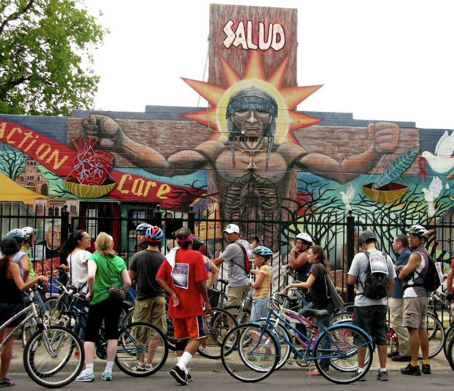 Bicyclists can take in seven public murals when they ride in San Anto Cultural Arts' Bicycle Mural Tour. File photo Photo: BILLY CALZADA, SAN ANTONIO EXPRESS-NEWS