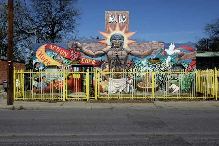"A view of San Anto Cultural Arts ""Seeds of Solidarity"" mural at the corner of  1711 Guadalupe Ave. on Tuesday, Jan. 6, 2009.  Photo: JERRY LARA, SAN ANTONIO EXPRESS-NEWS / glara@express-news.net"