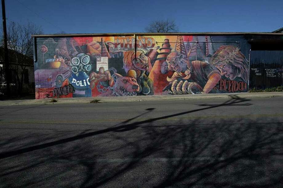 "The ""Piedad"" mural is located at the corner of South Colorado and Buena Vista and is one of 36 done by the San Anto Cultural Arts in this photo taken on Tuesday, Jan. 6, 2009. Photo: JERRY LARA, SAN ANTONIO EXPRESS-NEWS / glara@express-news.net"