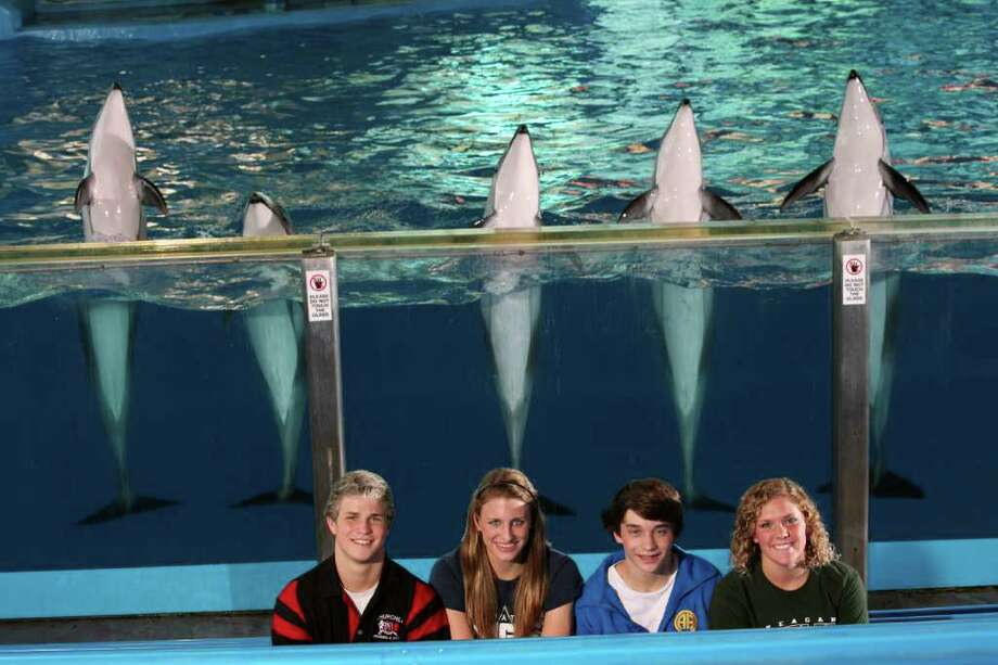 SeaWorld's best shows off for the E-N's best: (from left) John Murray of Churchill, Anna Mayfield of Smithson Valley, Finn Scribbick of Alamo Heights and Kathryn Connolly of Reagan. EDWARD A. ORNELAS/eaornelas@express-news.net / SAN ANTONIO EXPRESS-NEWS (NFS)