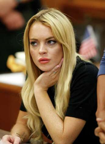 Actress Lindsay Lohan appears in a courtroom for a probation revocation hearing in Beverly Hills, Calif., Tuesday, July 6, 2010. Photo: AP