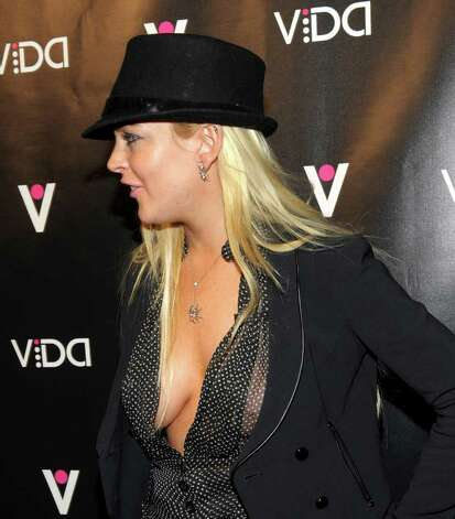 WEST HOLLYWOOD, CA - JANUARY 13:  Actress Lindsay Lohan attends the launch of Vida hosted by Sofia Vergara at Voyeur on January 13, 2010 in West Hollywood, California.  (Photo by Michael Buckner/Getty Images) *** Local Caption *** Lindsay Lohan Photo: Michael Buckner, Getty Images / 2010 Getty Images