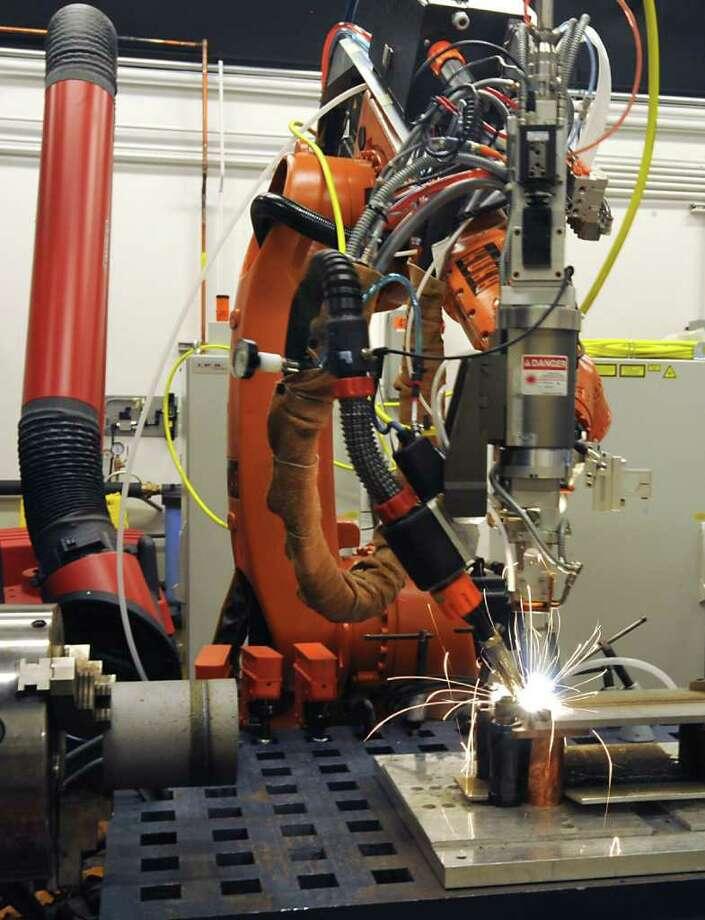 General Electric's new Hybrid Laser Arc Welding System at GE Global Research in Niskayuna, N.Y. Thursday April 21, 2011. (Lori Van Buren / Times Union) Photo: Lori Van Buren