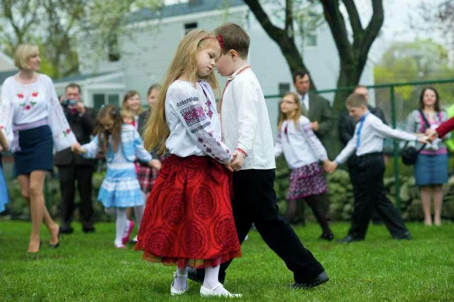 ukrainian folk dance school Zavirukha ukrainian dance school 45th  jenn is thrilled to be part of the zavirukha family and hopes to share her passion of ukrainian folk dance with all .