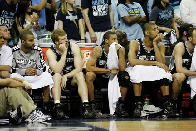 Spurs Tony Parker, Matt Bonner, George Hill and Tim Ducan sit out the last part of the fourth quarter as they lose to the Memphis Grizzlies, 104-86 in game four of the Western Conference First Round at FedExForum in Memphis, TN, Monday, April 25, 2011. The Grizzlies lead the series, 3-1. JERRY LARA/glara@express-news.net / SAN ANTONIO EXPRESS-NEWS (NFS)
