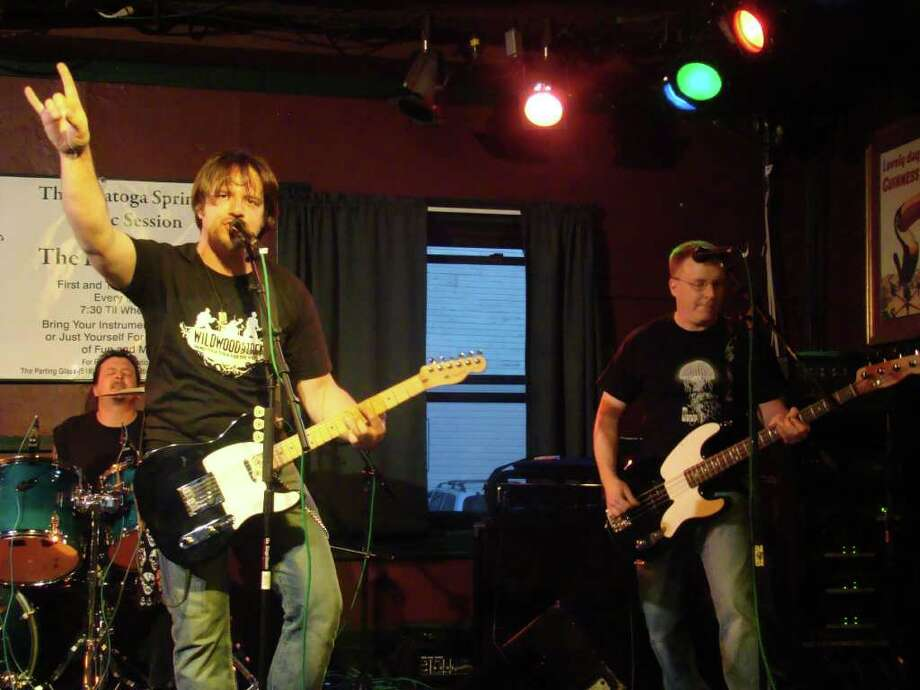 Blackcat Elliot plays at Wildwoodstock 2010. (Photo by Dave Graham)