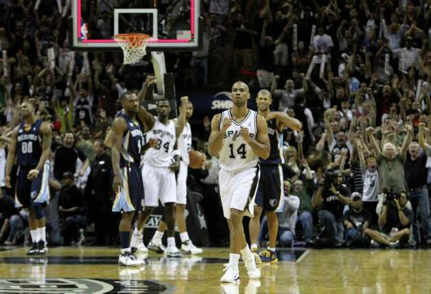 San Antonio Spurs guard Gary Neal (14) reacts after hitting a game tying shot against the Memphis Grizzlies in Game 5 of the first round of the Western Conference playoff at the AT&T Center on Wednesday, April 27, 2011. Kin Man Hui/kmhui@express-news.net Photo: KIN MAN HUI, Kin Man Hui/kmhui@express-news.net / San Antonio Express-News NFS