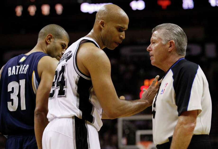 Spurs forward Richard Jefferson (24) talks to an official as  Memphis Grizzlies forward Shane Battier (31) looks on during the first half of game five of the Western Conference First Round at AT&T Center, Wednesday, April 27, 2011. JERRY LARA/glara@express-news.net Photo: JERRY LARA, JERRY LARA/glara@express-news.net / SAN ANTONIO EXPRESS-NEWS (NFS)