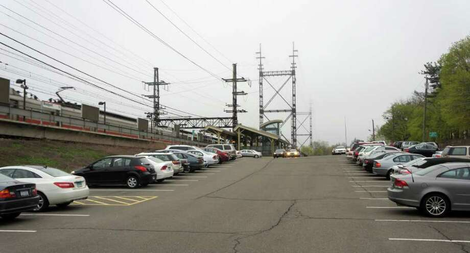 Annual parking permit fees will increase $100 and daily parking fees will go up $1 at Saugatuck Metro-North train station. Photo: Paul Schott / Westport News