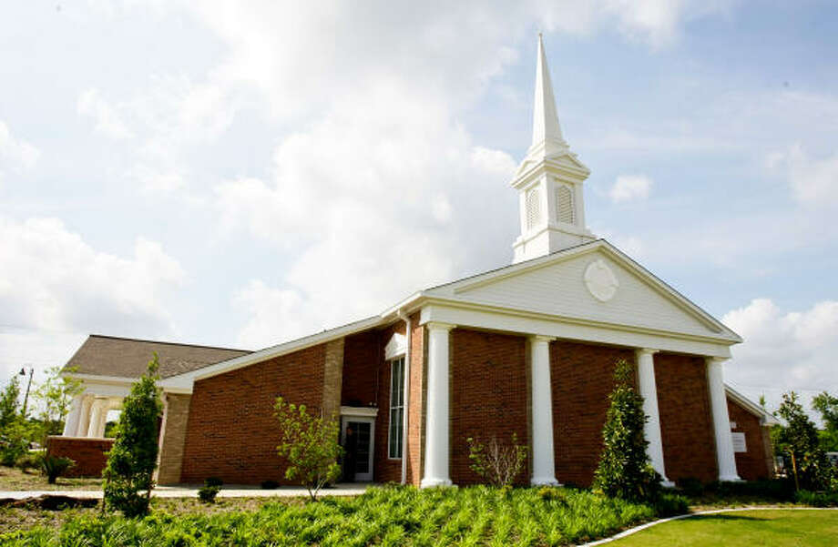 The newest Church of Jesus Christ of Latter-day Saints meetinghouse in Missouri City will serve two newly formed 200-member wards, one English-speaking and the other Spanish-speaking. Photo: Nick De La Torre, Chronicle