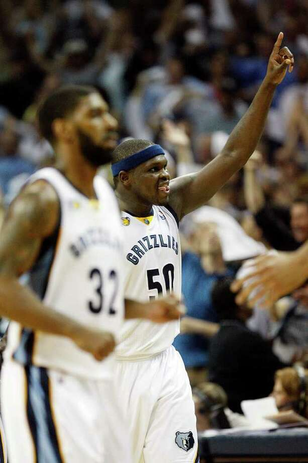 SPURS -- Memphis Grizzlies Zach Randolph celebrates a shot during second half of game six of the Western Conference First Round at FedExForum, Friday, April 29, 2011. The beat the San Antonio Spurs 99-91 and took the series 4-2. JERRY LARA/glara@express-news.net Photo: JERRY LARA, JERRY LARA/glara@express-news.net / SAN ANTONIO EXPRESS-NEWS (NFS)