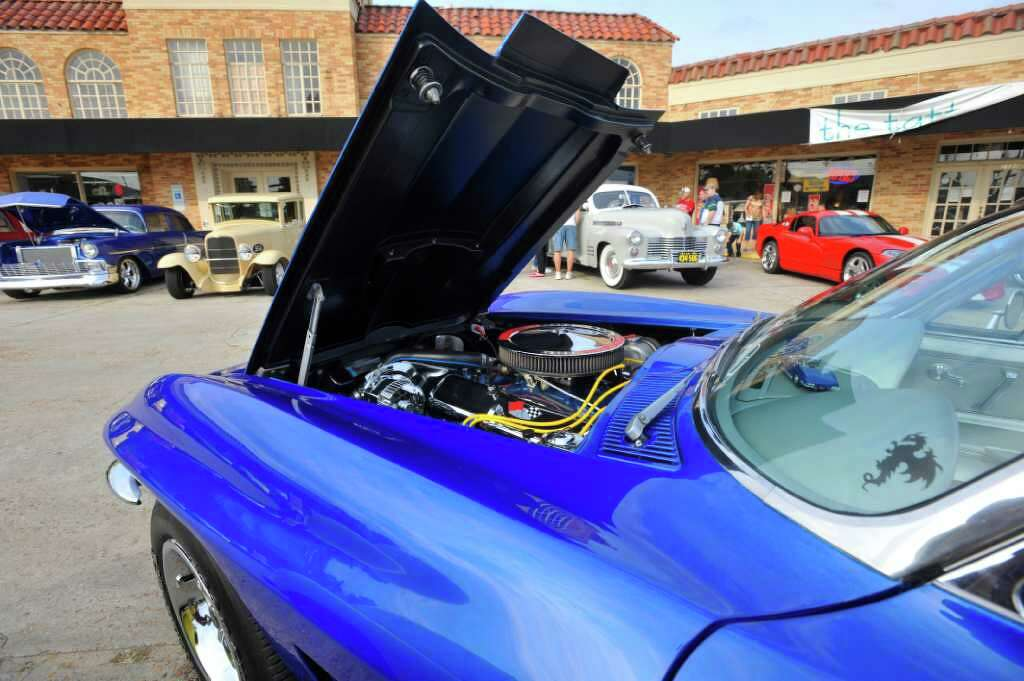 Rao\'s celebrates anniversary with classic car show - Beaumont ...