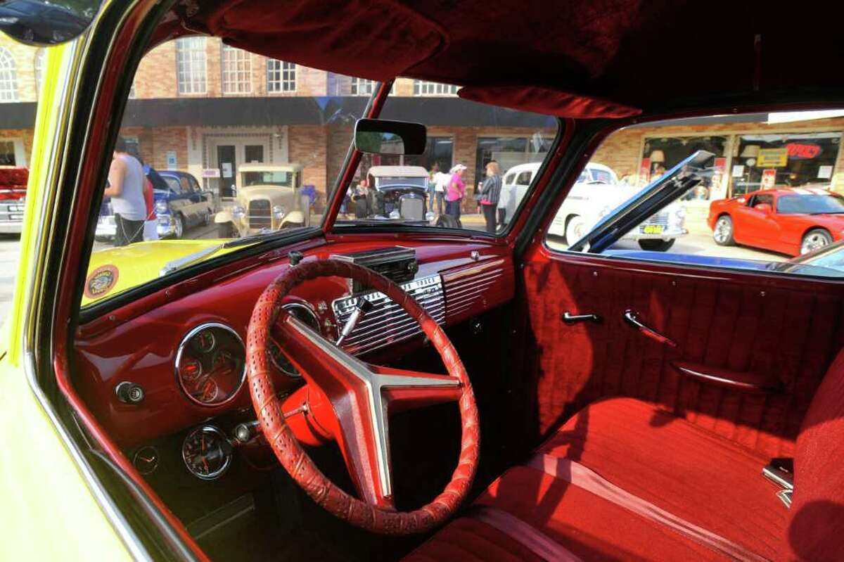 11th annual antique car show Seniors and their families will kick off Father's Day weekend with an antique car show at 9 a.m. Friday at Calder Woods, 7080 Calder Ave. The community is invited to stroll down memory lane and look at old classic cars. Members of the Aces Car Club and the Model A Car Club will also show off their classic cars. Trophies will be awarded to the owners voted with the best car. Lunch on the terrace will be held.