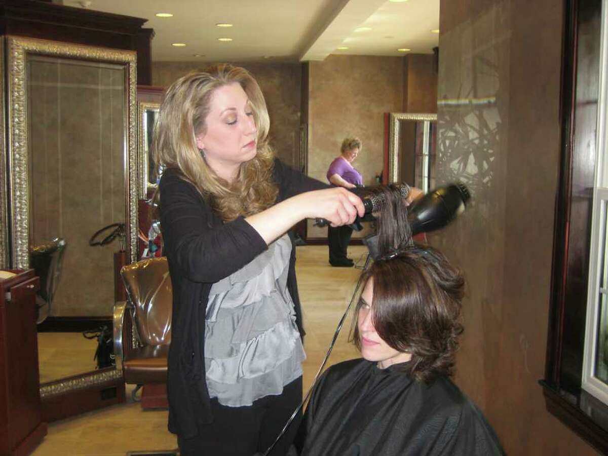(Larissa Lytwyn/HealthyLife) May/June 2011 HealthyLife cover model Karen Skiba getting prepped at Kimberley's A Day Spa in Latham, N.Y.