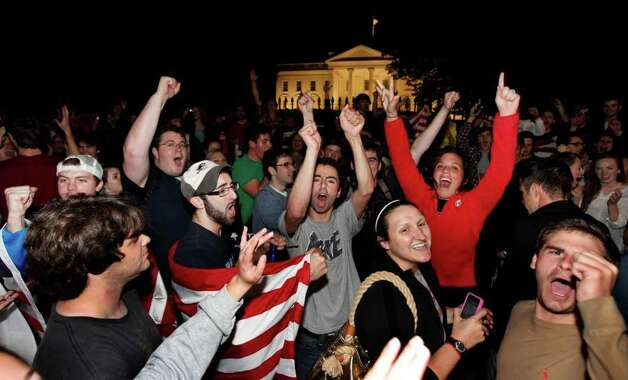 Crowds gathers outside the White House in Washington late Sunday, May 1 2011, to celebrate after President Barack Obama announced the death of Osama bin Laden. Photo: AP
