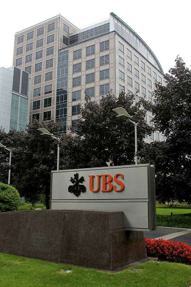 UBS is denying rumors that it is considering moving out of its massive Stamford headquaters building, but both city and state officials are holding meetings with the company to discuss its future. Photo: File Photo, ST / Stamford Advocate File Photo