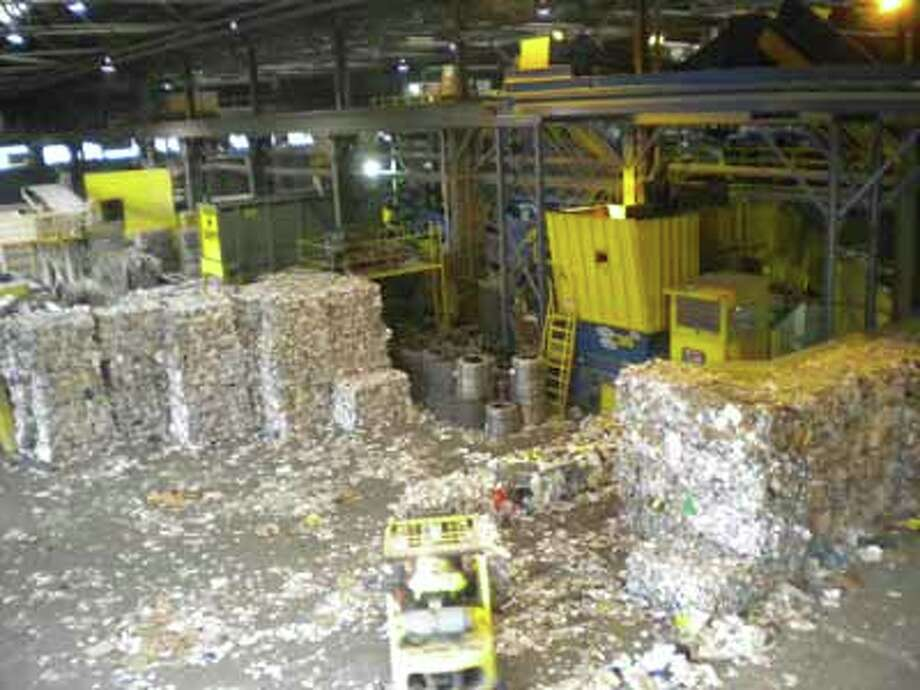 Paper waste being processed at Allied Waste's Rabanco Recycling Center in Seattle (photo by Josh Fogt)