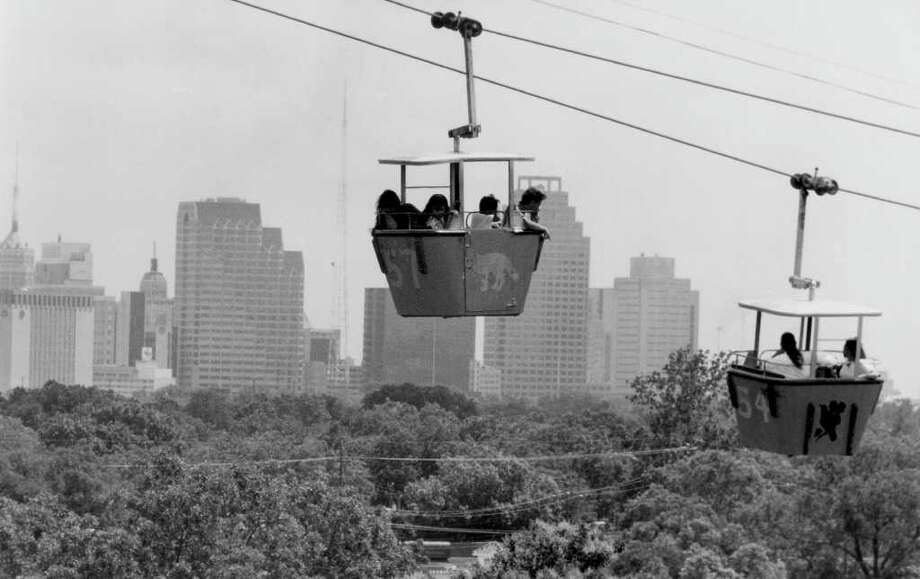 Back in the day, Brackenridge Park had a gondola sky ride that gave visitors and students a unique view of the San Antonio skyline. Photo: Express-News File Photo / Express-News file photo