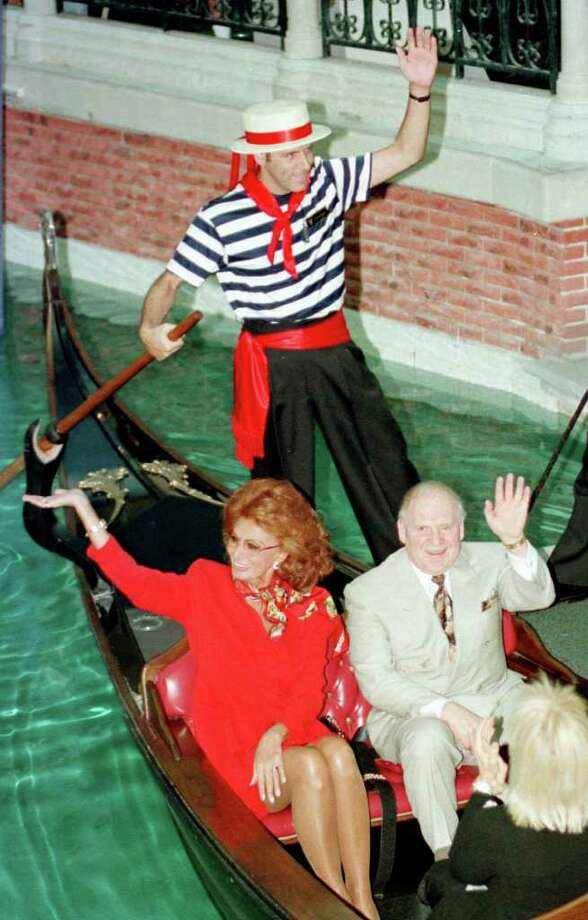 Actress Sophia Loren and Sheldon Adleson, owner-developer of the Venetian, enjoy a gondola ride at the Venetian Resort, Hotel and Casino, Saturday, July 1, 2000, in Las Vegas. Photo: ROBERT BRYE, AP / LAS VEGAS NEWS BUREAU