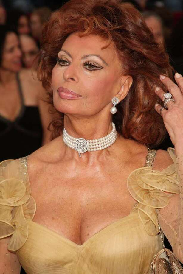 LOS ANGELES, CA - FEBRUARY 22:  Actress Sophia Loren arrives at the 81st Annual Academy Awards held at Kodak Theatre on February 22, 2009 in Los Angeles, California.  (Photo by Jason Merritt/Getty Images) *** Local Caption *** Sophia Loren Photo: Jason Merritt, Getty Images / 2009 Getty Images